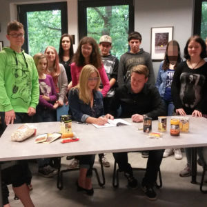 Fairtrade-Kompass der AFS unterzeichnet